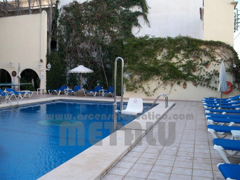 Hotel Amoros. Metalu B-2
