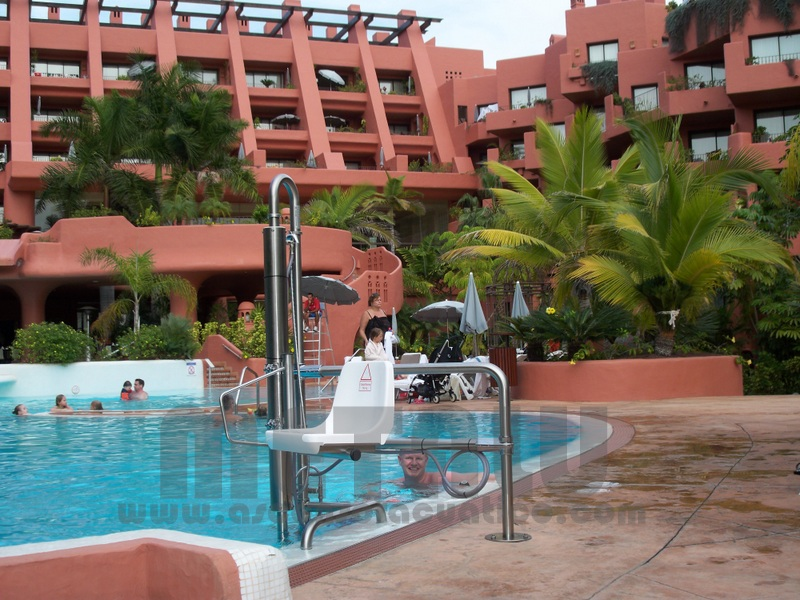 Elevador hidraulico Metalu B-2, Hotel Sheraton La Caleta